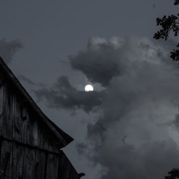 Moonlit barn in Rawhide Hollar, Troy, Ks